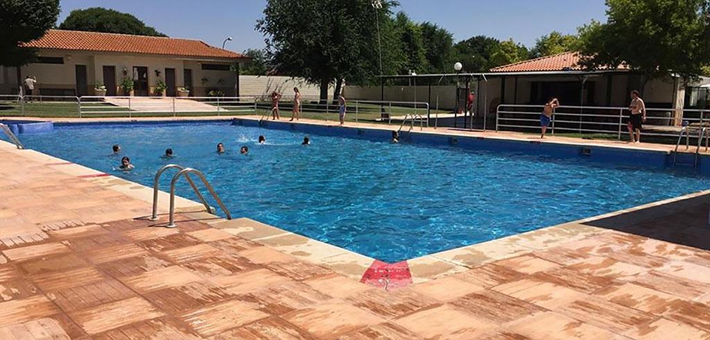 El ayuntamiento de villamayor de calatrava gestiona por for Precio piscina municipal